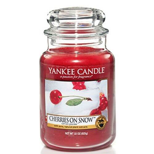 yankee candle cherries on snow 623g candle dream. Black Bedroom Furniture Sets. Home Design Ideas