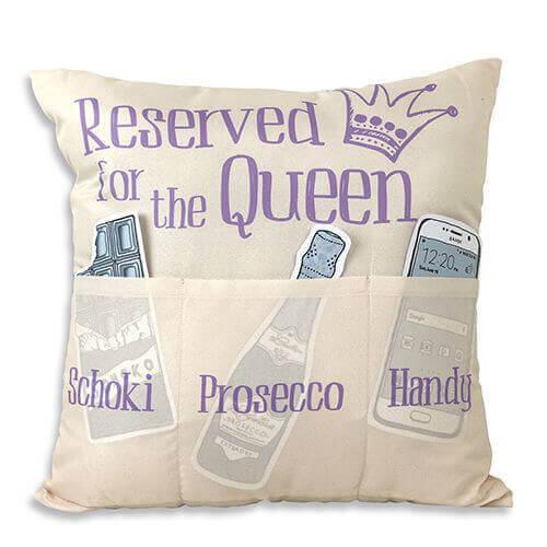 Reserved for the Queen Kissen mit 3 Einstecktaschen